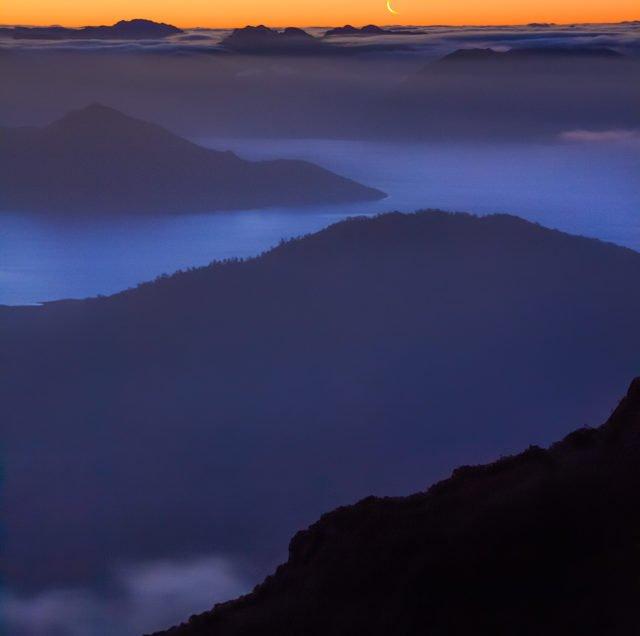 High Camp sunset over Lake Pedder, Mt. Eliza, Mt. Anne track circuit, Tasmania